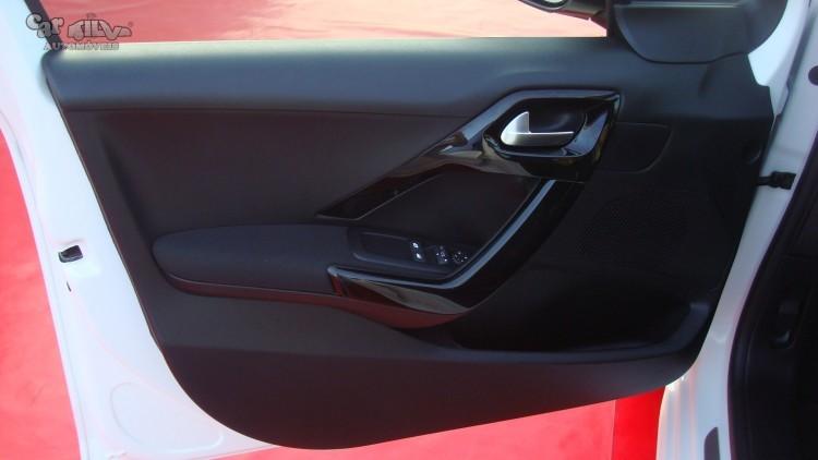 Peugeot 208 1.2 Signature/ GPS